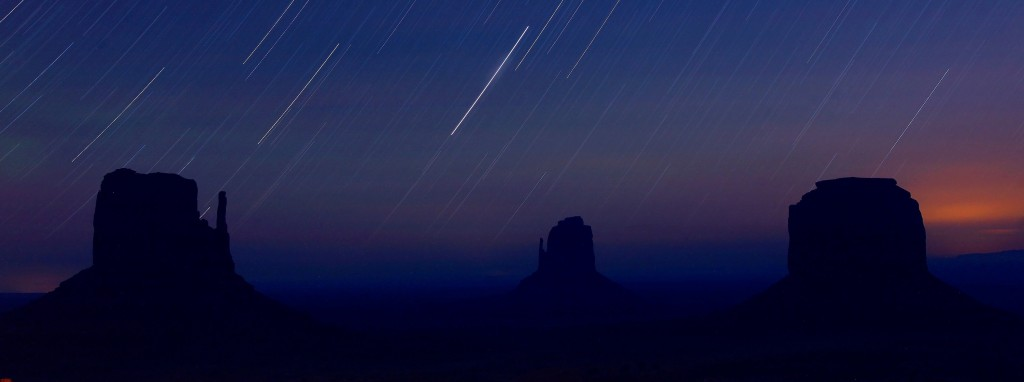 startrails-monument-valley-night-arizona-48182